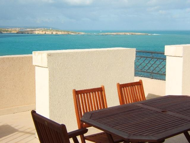 Crystal Penthouse No21, holiday rental in Bugibba