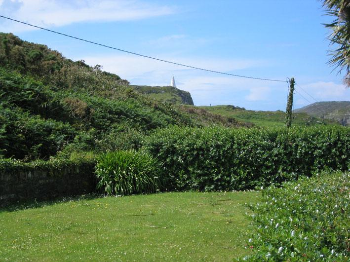Lawned garden with Beacon in view