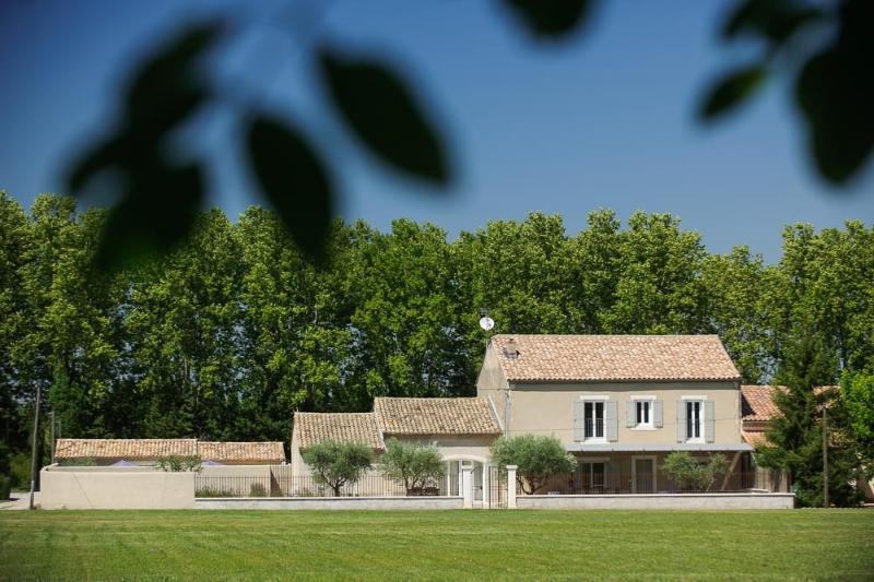 MAS 5 * at the foot of the ALPILLES pool and Spa the OUSTALET's SARRASSET
