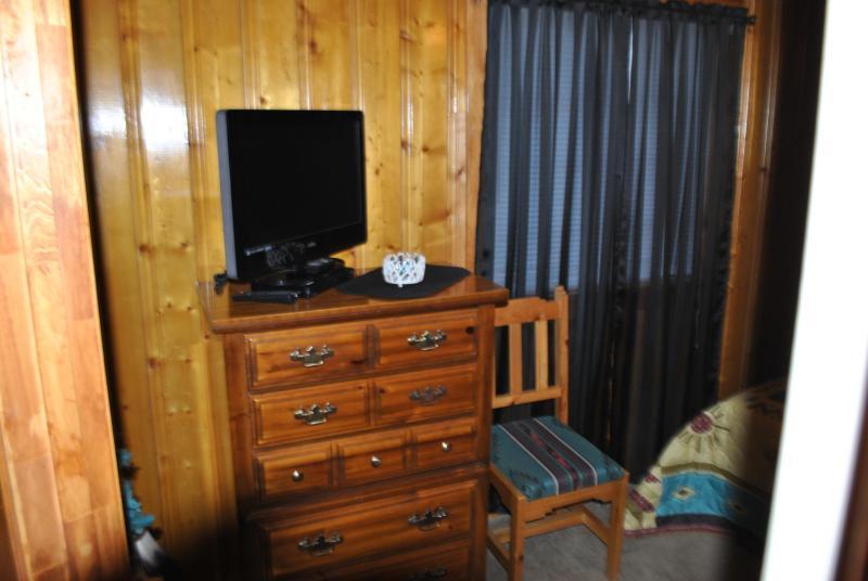 camera da letto 1 a schermo piatto e dvd