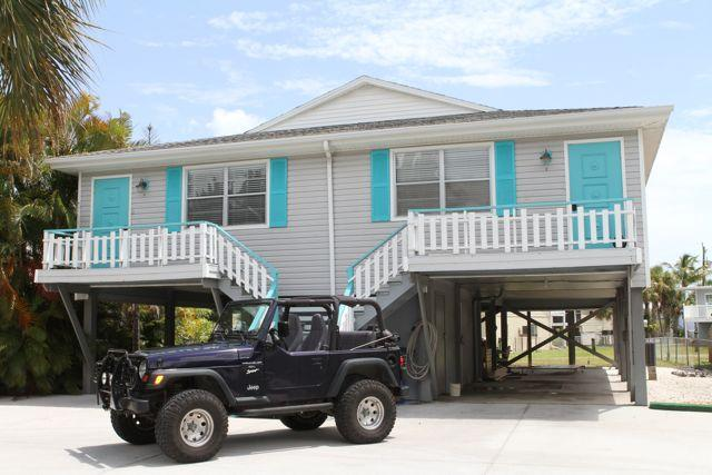 SEA LA VIE [duplex]  'Feathered Nest by the Beach'  FMBSTR 20-0330 & 20-0331, holiday rental in Fort Myers Beach