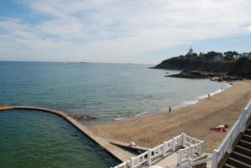 La piscine extérieure de Saint Quay Portrieux.