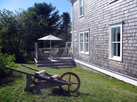 Ocean View Cedar Fisherman's Cottage, holiday rental in Port Medway