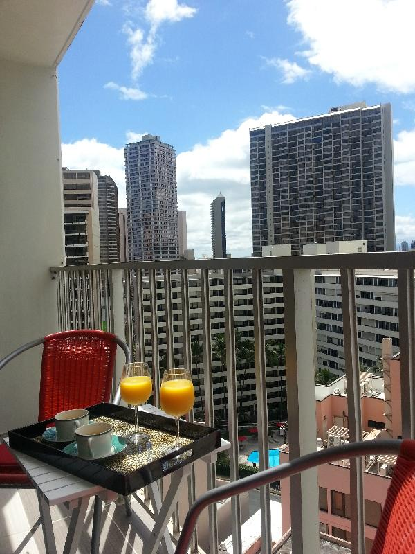 Lanai with City view