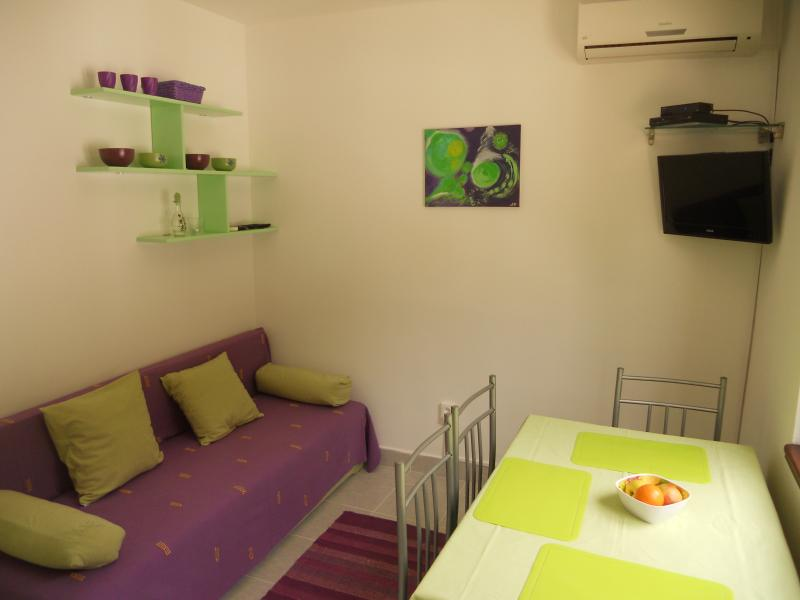 Family friendly apartment with WiFi Necujam Green, alquiler de vacaciones en Necujam
