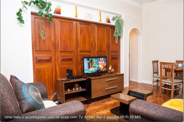 TV and dining room. Quiet apartment with air conditioning, TV 32 poelgadas, NET and wi fi.