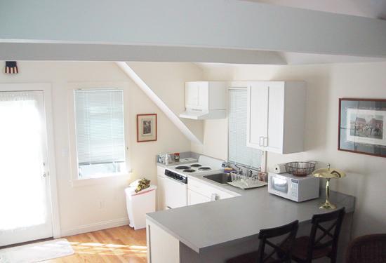 Studio 2: aprire piano piano con soffitto a volta, ventilatore a soffitto, cucina, letto matrimoniale, bagno completo