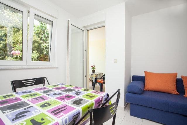 • Lungomare Beach Apartment Pula •, holiday rental in Pula