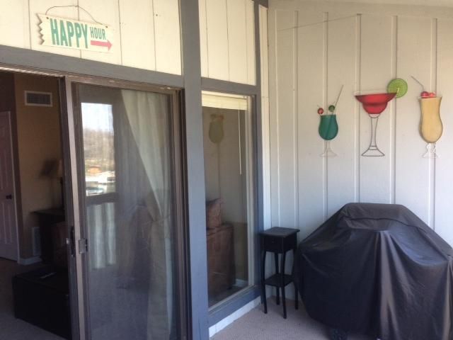 Beautiful Condo, weekly specials,  No Cleaning Fee, vacation rental in Osage Beach