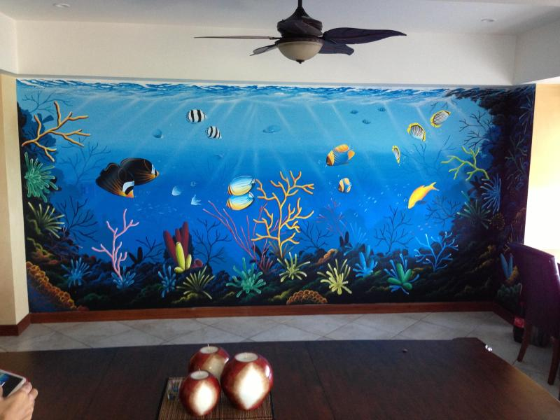 Enjoy the 18 foot Mural of the ocean as you dine with my private chef at your dinning table.