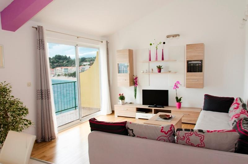 Apartment by the sea, alquiler de vacaciones en Podgora