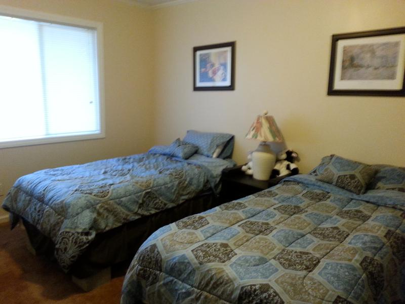 Third Room (2 Twin Beds)