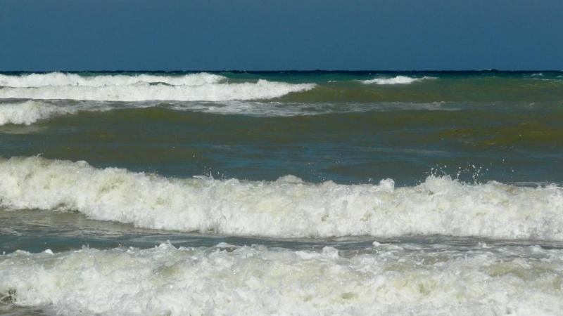 Adriatic waves at Vasto