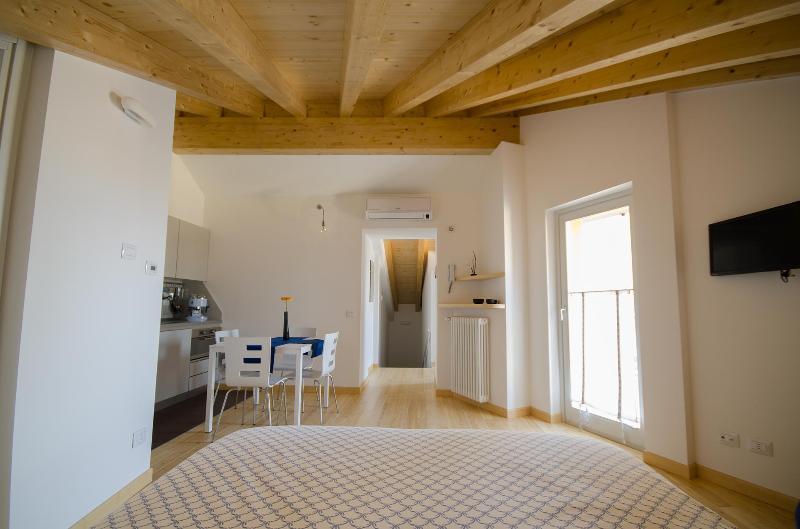 Ca Mairù, la Casa Vacanza a 2 passi da Città Alta, vacation rental in Mozzo