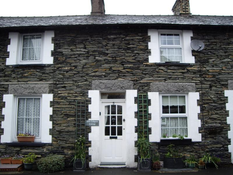 Old Codgers Cottage dating back to 1847 right in the centre of Windermere