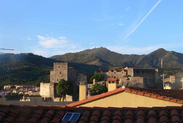 Vue depuis le balcon supérieur - Chateaux Royale et Pyrénées