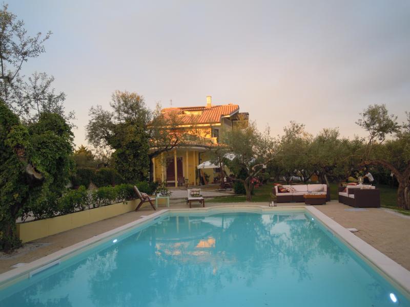 Suite Glicine, alquiler vacacional en Villa Oliveti