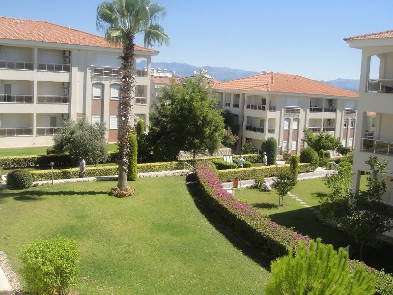 Beautifully maintained gardens of Spring apartment.