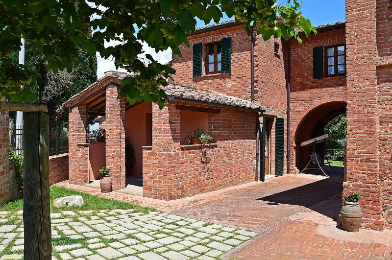 Palazzo primo - app. 'Olivi', holiday rental in Montepulciano