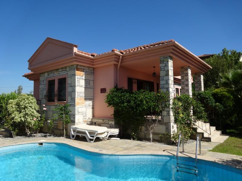 Villa Panter, alquiler vacacional en Okcular