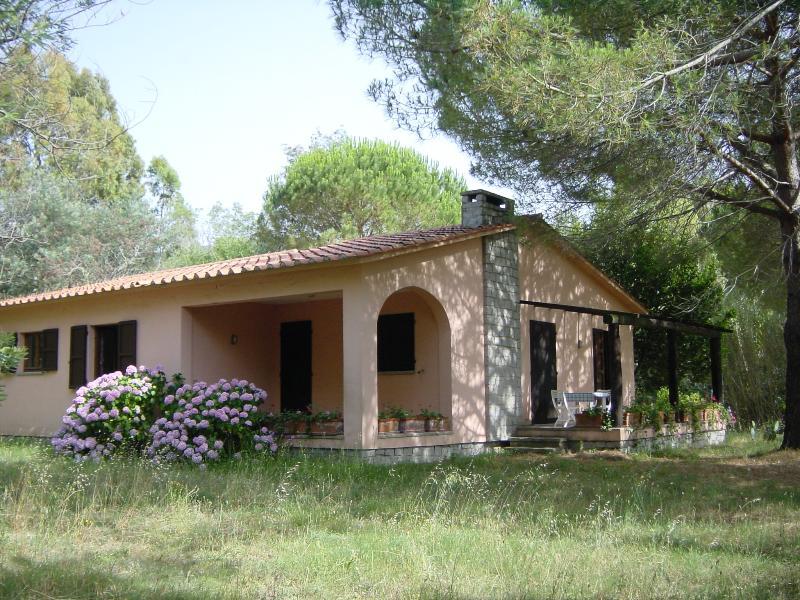 la casa con la loggia e la veranda con vista mare