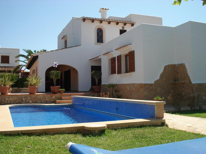 Villa Dos Estels, location de vacances à Cala d'Or