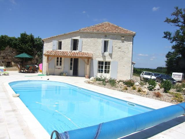 3 bedroom house with swimming pool, situated among the vineyards, very beautiful views, very peacefu