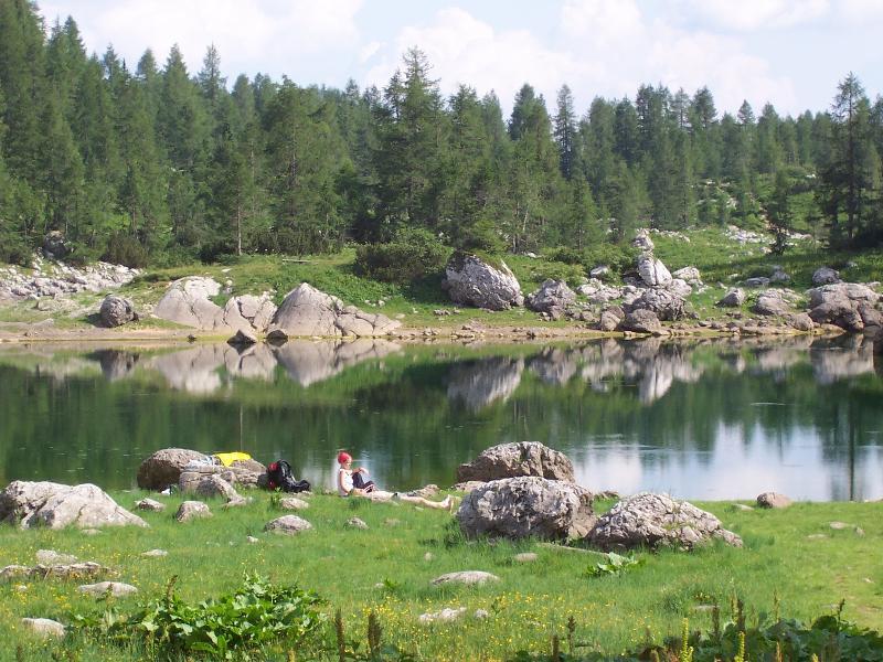 Vale 7 lagos no Parque Nacional de Triglav