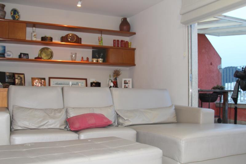 living room in the upfloor