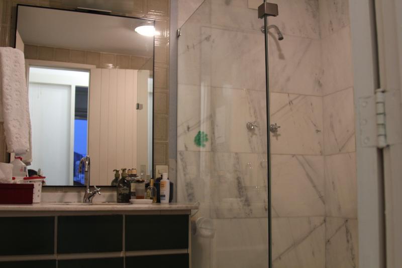 bathroom up floor