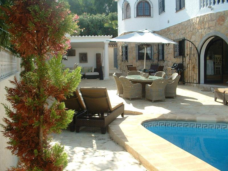 Casa Fifi  4 bed room. 3 bathrooms Luxury Villa in the centre of Altea with sea and mountain views.