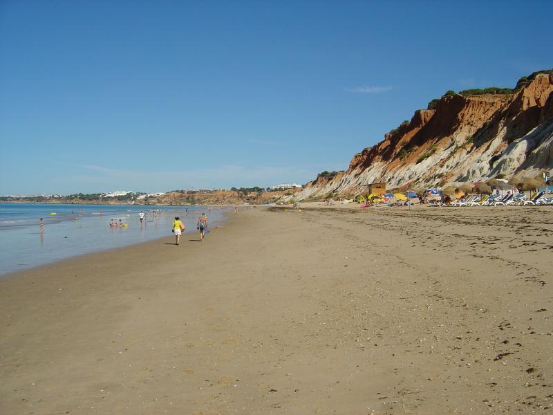 Playa Praia da Falesia - uno de los más limpios