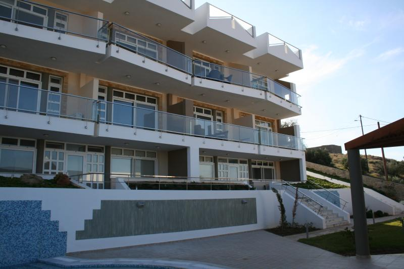 2G Location - Ground floor,on the right (conveniently located for the pool!)