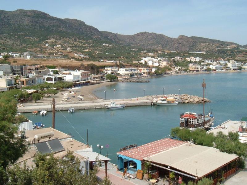 Makrigialos harbour