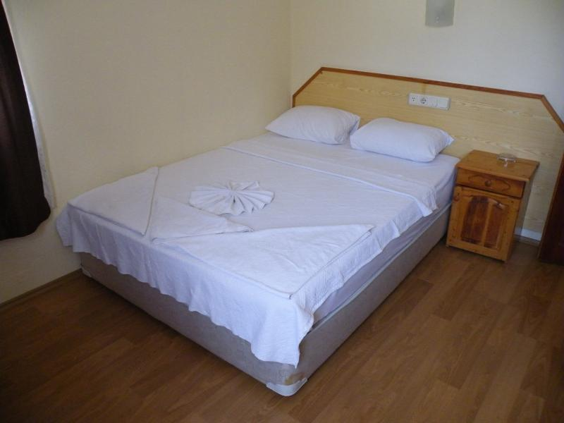 1 double bedded bedroom