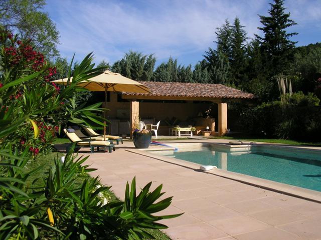 Comfortable Villa with private pool and garden, location de vacances à Cotignac