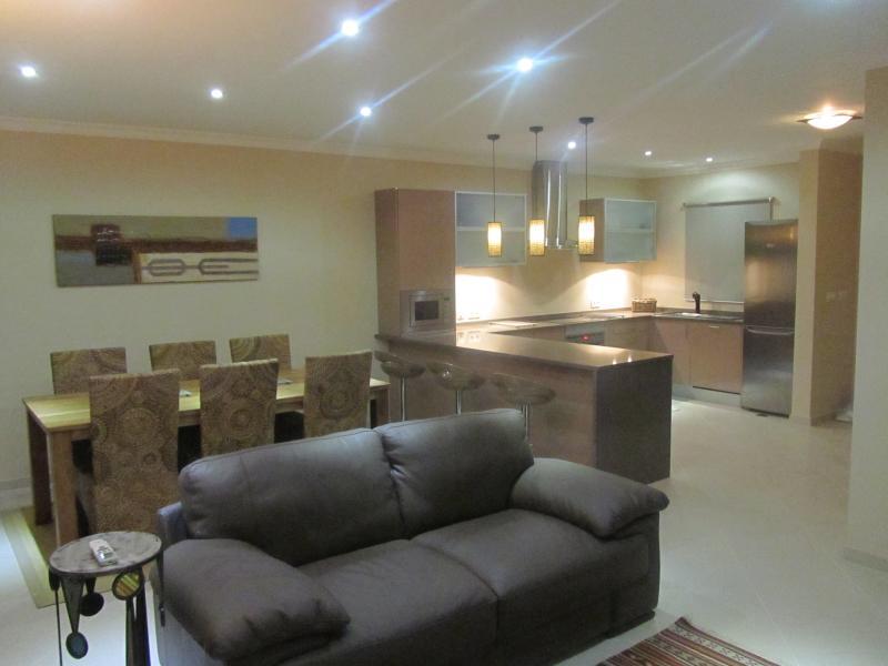 Open Plan Lounge/Dining & Kitchen