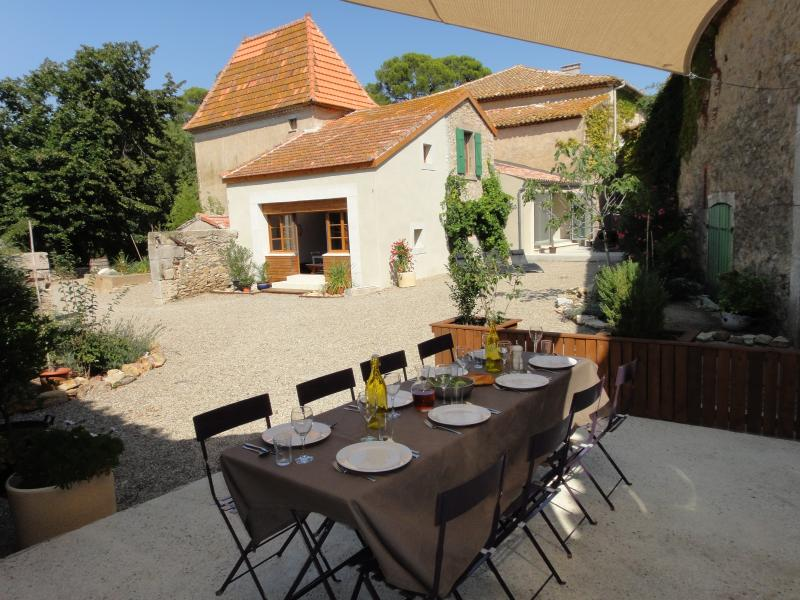 The Winemakers House, Canet d'Aude, nr Narbonne, vacation rental in Narbonne