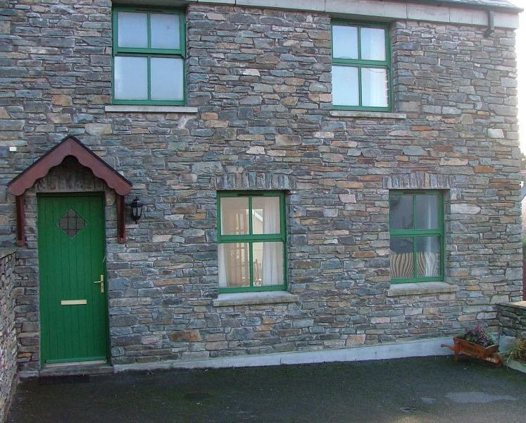 The Cobbler sleeps 6, vacation rental in Glandore