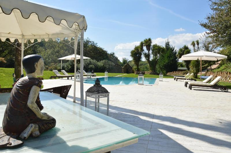 LUXURY VILLA  POOL,TENNIS AND SPA CLOSE TO ROMA, Ferienwohnung in Genazzano