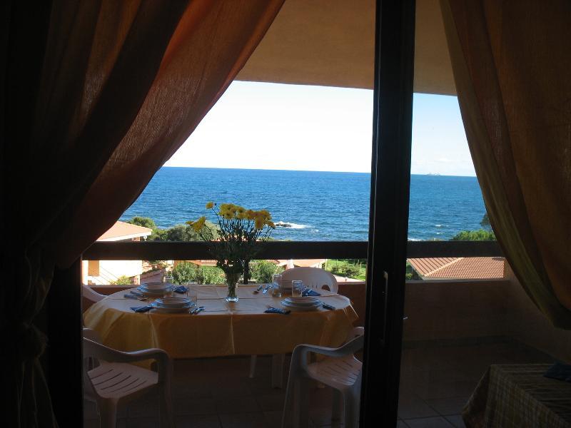 Villetta davanti al mare in Residence, vacation rental in Villaputzu