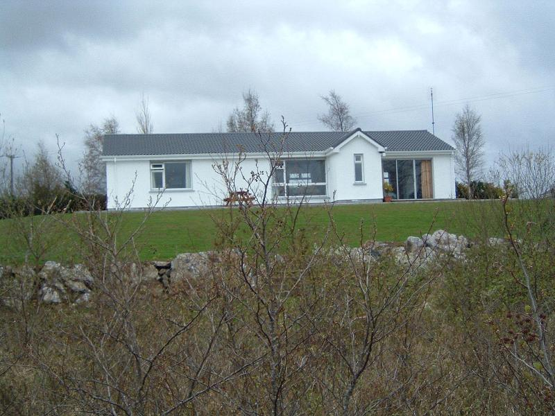 The White Cottage, vacation rental in Oughterard