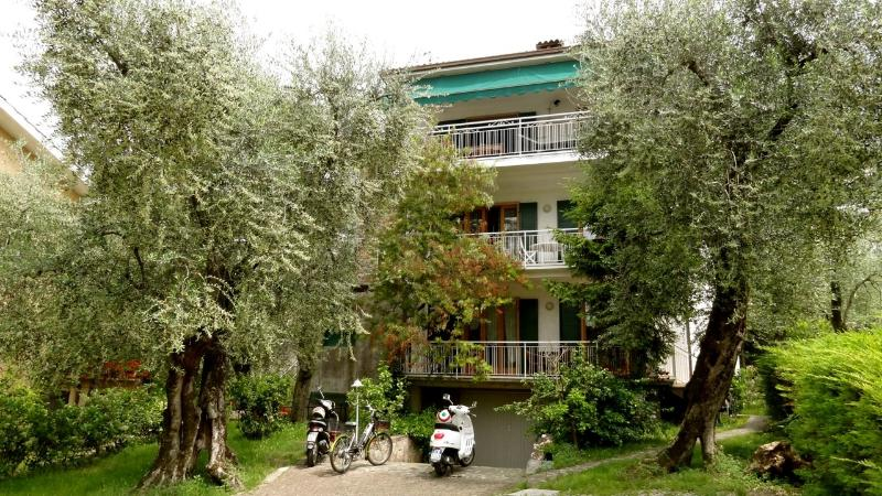the house among trees, casa vacanza a Malcesine