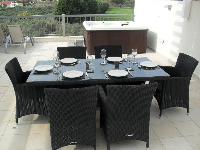 Dining and Hottub on the Private Roof Terrace