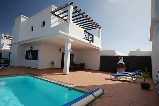 view of villa, terrace & pool