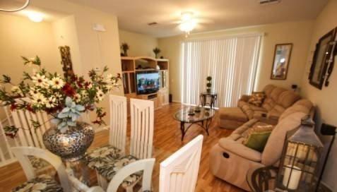 5075TC-55. Spacious 3 Bedroom 3 Bath Town Home Near Universal, vacation rental in Orlando
