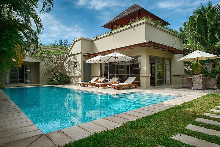 Splendid 3-bedroom L-shape villa with swimming pool and a garden