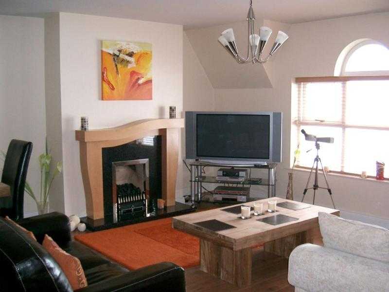 Portrush West Strand beach apartment, holiday rental in County Antrim