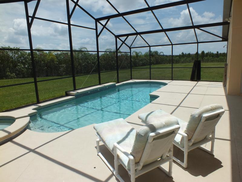 Highgate Park 4-bed luxury, vacation rental in Davenport
