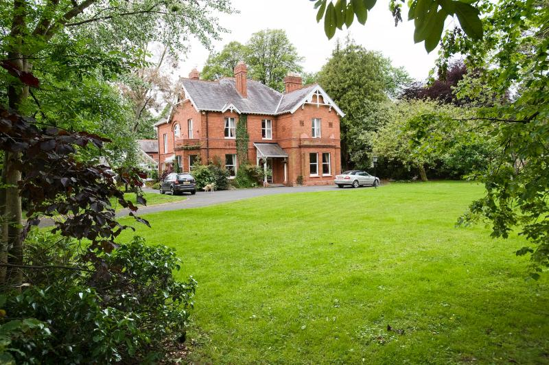 Luxury 6 bedroom - en-suite holiday let, with large heated indoor swimming pool, sauna and jacuzzi.